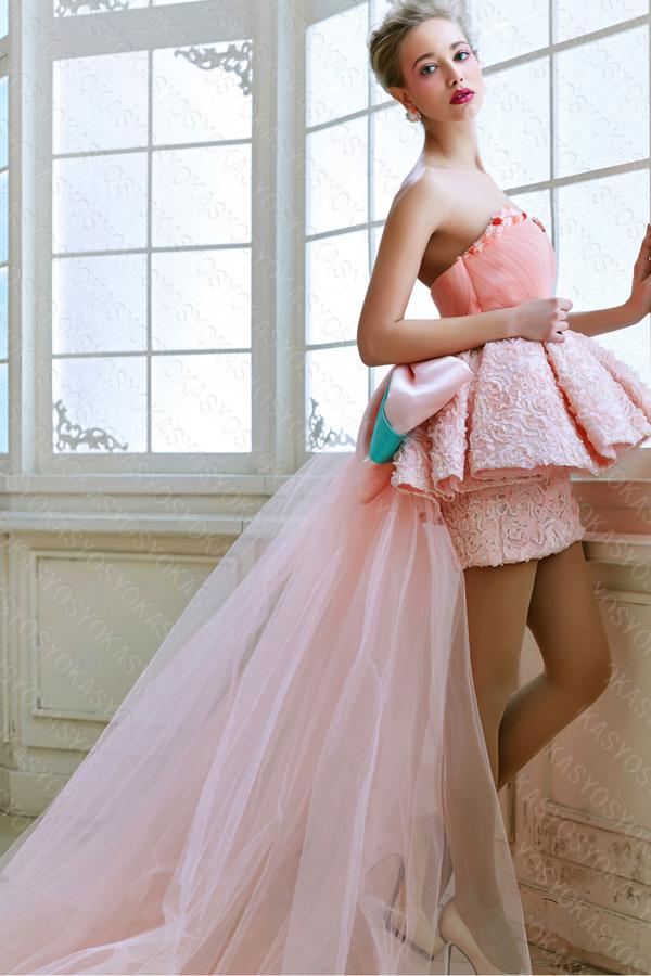 ミニ丈ピンクのお姫様ドレス